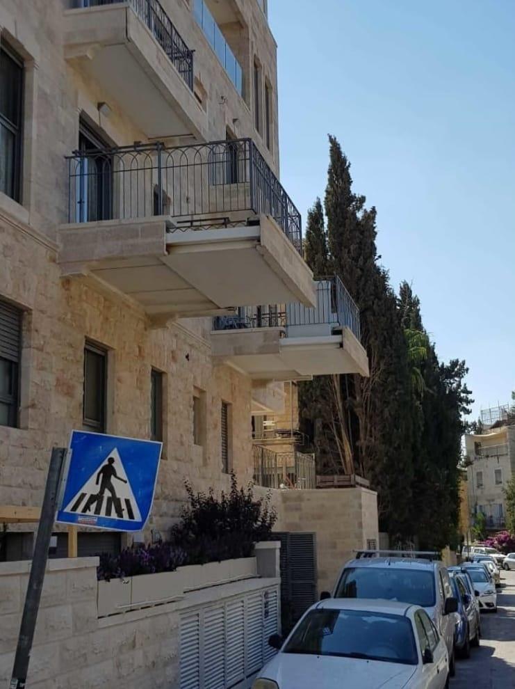 Expandable Sukkah Balcony in Israel