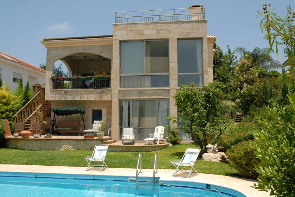 vacation homes in israel